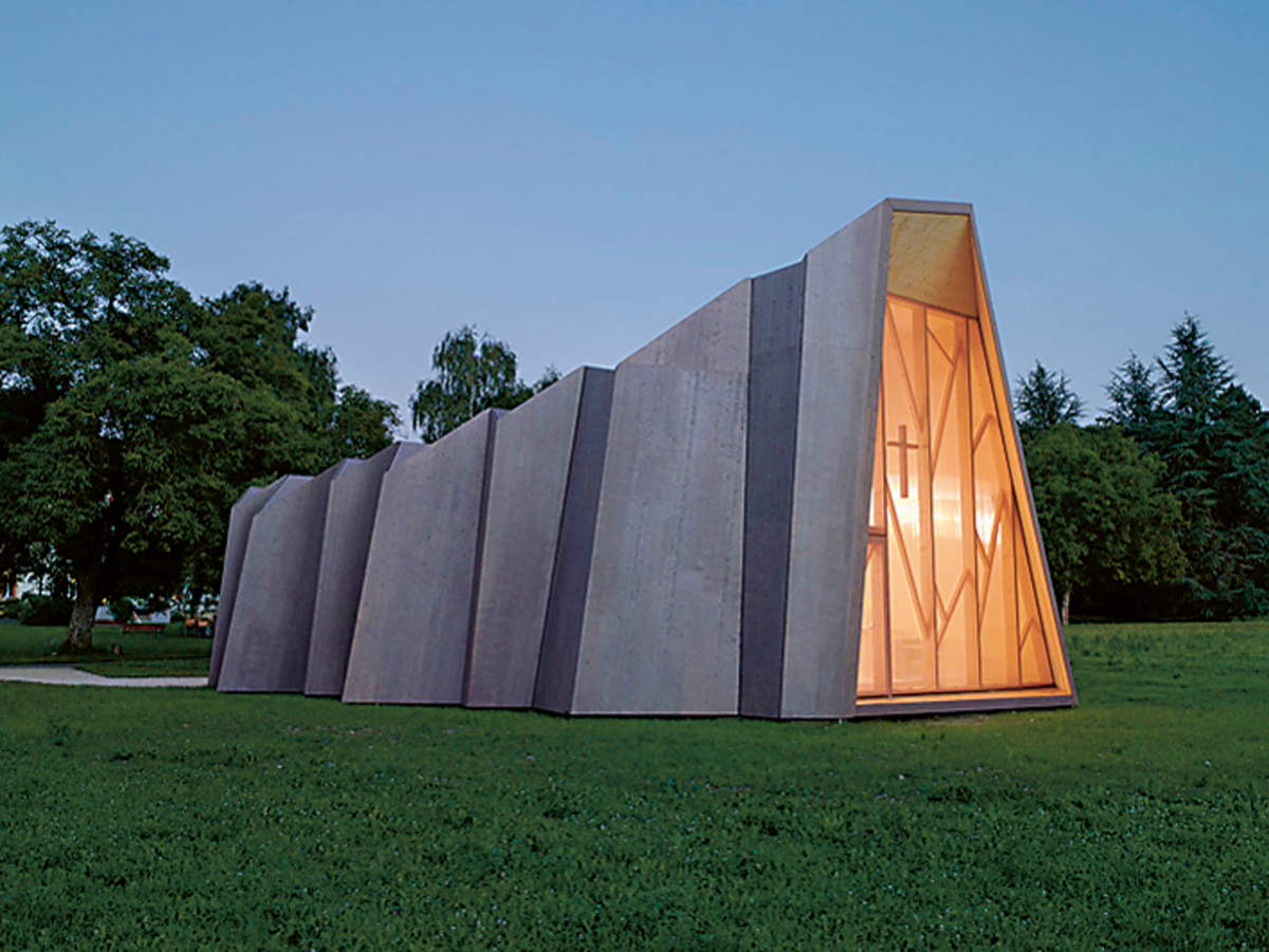 Origami per una chiesa promo legno for Architettura temporanea